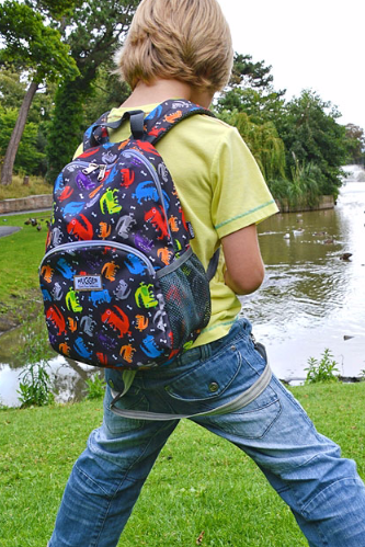 Plecak dla dzieci Hugger, Totty Tripper Medium, wiek 4-8 lat, wzór Dinos